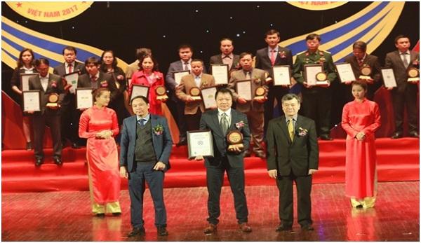 """Công ty TNHH dây và cáp điện Vạn Xuân lọt vào top 50 """" Nhãn hiệu hàng đầu Việt Nam  năm 2017"""" - Hình 1"""