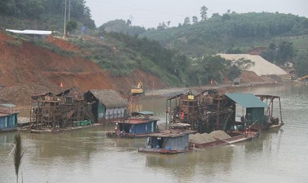 UBND tỉnh Tuyên Quang yêu cầu Công ty CP XD-TM Lam Sơn tạm dừng nạo vét cát sỏi - Hình 2