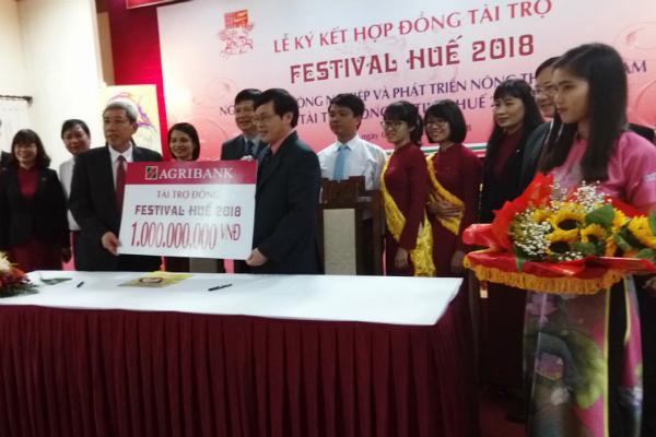Ngân hàng Agribank tài trợ đồng cho Festival Huế 2018 - Hình 1