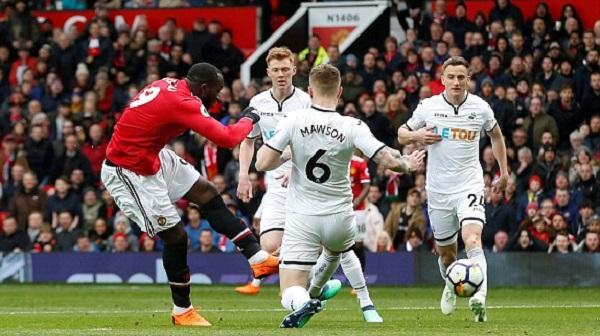 Sanchez và Lukaku lập công, MU đánh bại Swansea - Hình 1