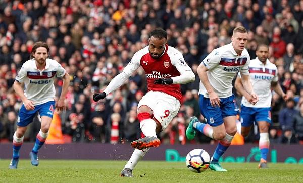 Arsenal 3 – 0 Stoke City: Hiệp hai bùng nổ, nhấn chìm đối thủ - Hình 2