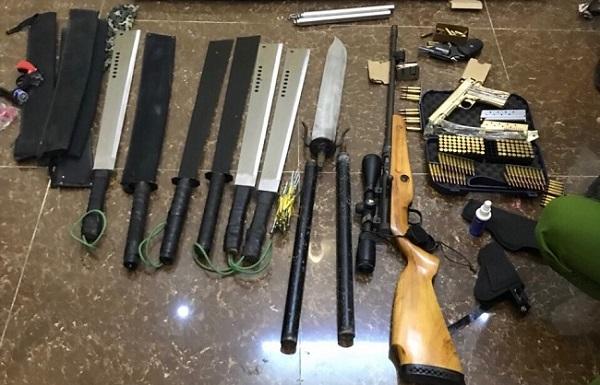 """Vụ nổ súng làm 2 cha con bị thương ở Đà Lạt: """"Lộ"""" hung thủ cùng """"kho"""" vũ khí """"khủng"""" - Hình 1"""
