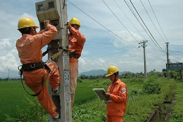 EVNNPC: Đảm bảo cung cấp điện các ngày nghỉ lễ 30/4 và 1/5 - Hình 1