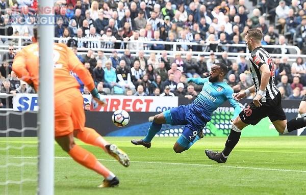Thi đấu tệ hại, Arsenal nhận thất bại cay đắng trước Newcastle - Hình 1