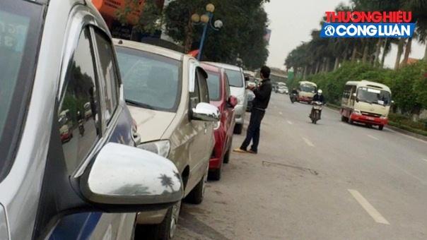 Vụ lấn chiến vỉa hè, lòng đường tại chân cầu Thanh Trì: Công an huyện Gia Lâm vào cuộc!