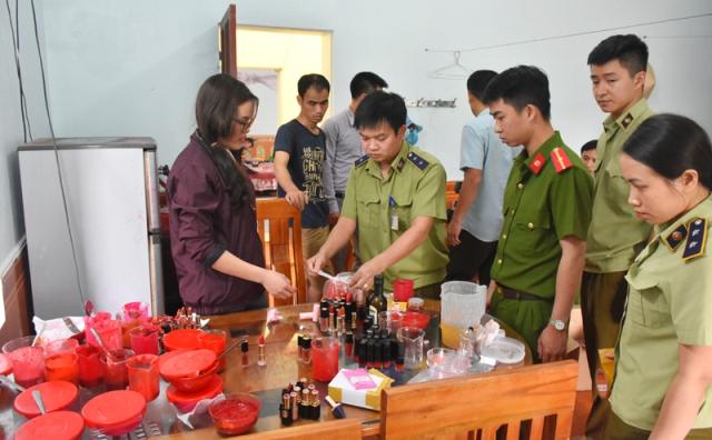 Thanh Hóa: Phát hiện cơ sở sản xuất mỹ phẩm 'chui'