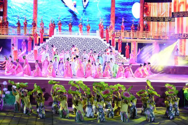 Ấn tượng lễ Khai mạc Festival Huế 2018 - Hình 4