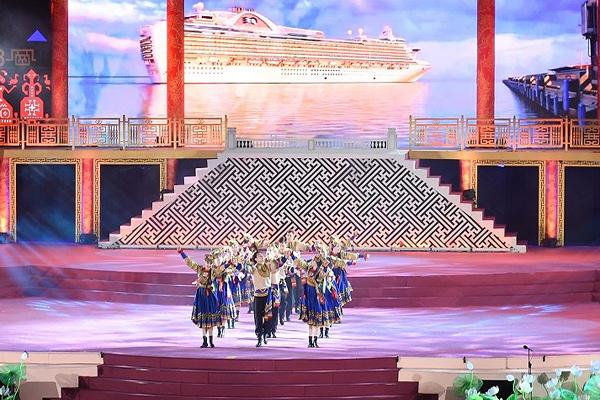 Ấn tượng lễ Khai mạc Festival Huế 2018 - Hình 3