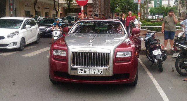 Đại gia Huế chơi Rolls-Royce Ghost biển ngũ quý 1 hơn 11 tỷ đồng - Hình 2