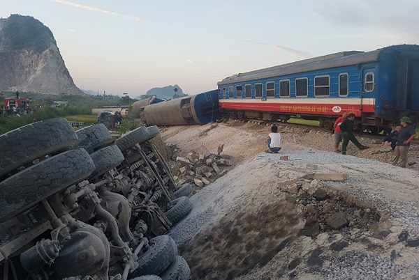 Các giải pháp cấp bách hạn chế tai nạn giao thông đường sắt - Hình 1