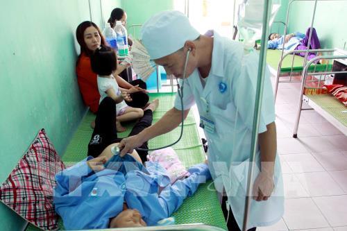 Thái Bình: 32 người nhập viện nghi bị ngộ độc thực phẩm - Hình 1