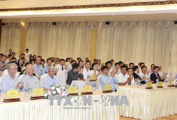 Thủ tướng Nguyễn Xuân Phúc gặp mặt các cơ quan thông tấn, báo chí - Hình 3