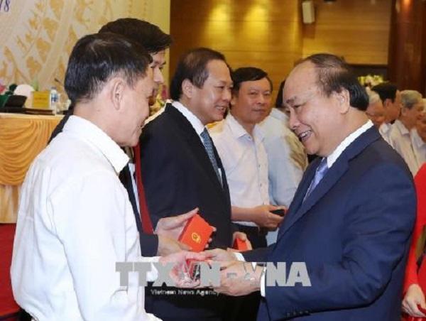 Thủ tướng Nguyễn Xuân Phúc gặp mặt các cơ quan thông tấn, báo chí - Hình 1