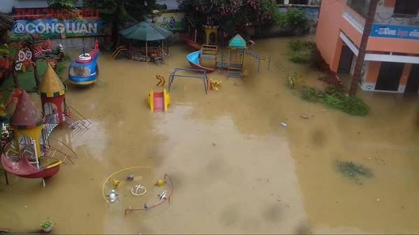 NÓNG: Cận cảnh hình ảnh nhiều địa phương trong tỉnh Hà Giang bị ngập lụt do mưa lớn - Hình 3