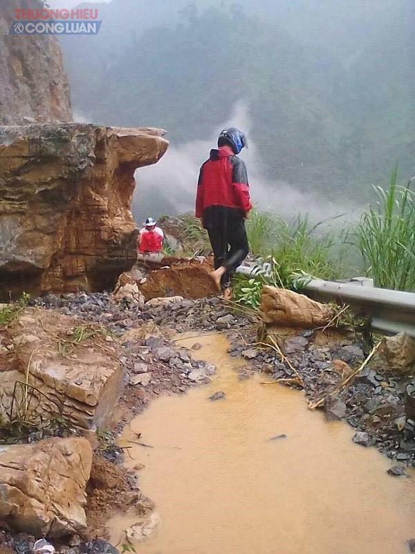 NÓNG: Cận cảnh hình ảnh nhiều địa phương trong tỉnh Hà Giang bị ngập lụt do mưa lớn - Hình 1