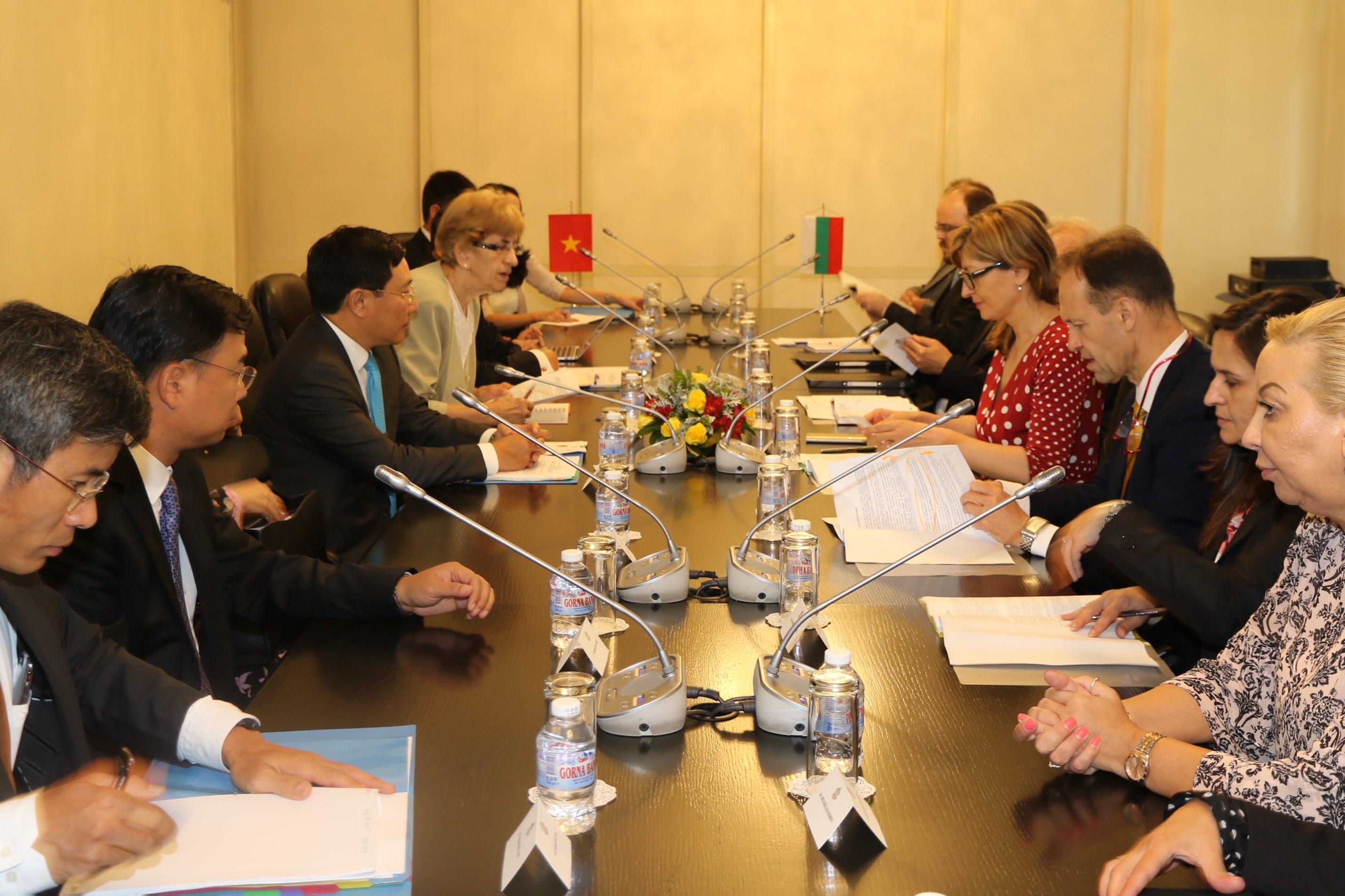 Việt Nam-Bulgaria nhất trí đưa hợp tác kinh tế lên tầm cao mới - Hình 2