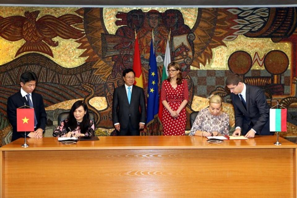 Việt Nam-Bulgaria nhất trí đưa hợp tác kinh tế lên tầm cao mới - Hình 3