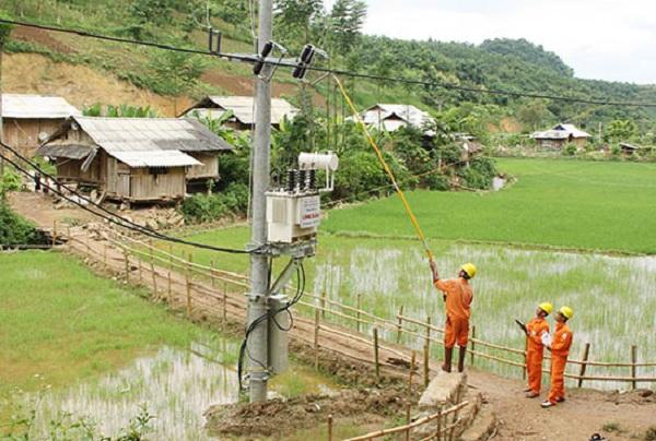 Công ty Điện lực Sơn La : Bảo đảm cấp điện an toàn, ổn định trong mùa nắng nóng - Hình 2