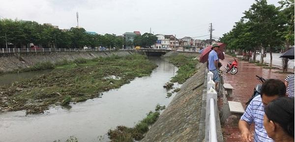 Nghệ An: Đi hái rau người đàn ông bị nước cuốn trôi
