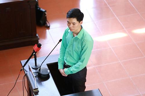 Tạm thu hồi giấy phép hành nghề của bác sĩ Hoàng Công Lương - Hình 1