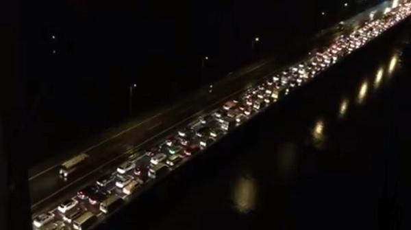 Mưa lớn kéo dài, Hà Nội tắc đường hàng giờ - Hình 8