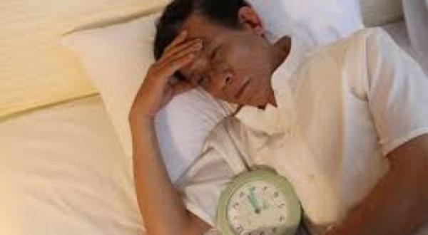 Nguyên nhân gây mất ngủ ở người già và cách khắc phục