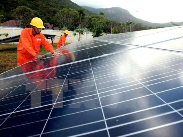 Hà Tĩnh: Dự kiến xây dựng 2 nhà máy điện mặt trời - Hình 1