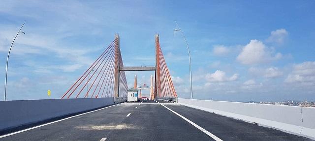 Quảng Ninh: Chính thức thông xe cây cầu 7000 tỉ và cao tốc Hạ Long Vân Đồn - Hình 4