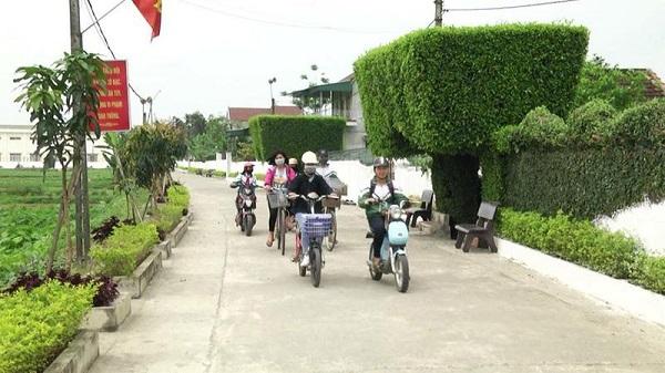 Hà Tĩnh: Thưởng 1,5 tỷ đồng cho 3 xã đạt chuẩn nông thôn mới - Hình 1