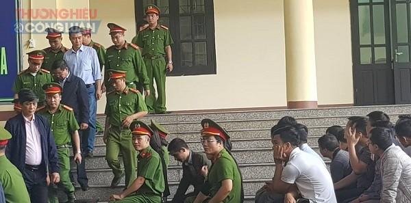 Xét xử vụ án đánh bạc nghìn tỷ: Cựu tướng Phan Văn Vĩnh sử dụng quyền im lặng để từ chối câu hỏi - Hình 1