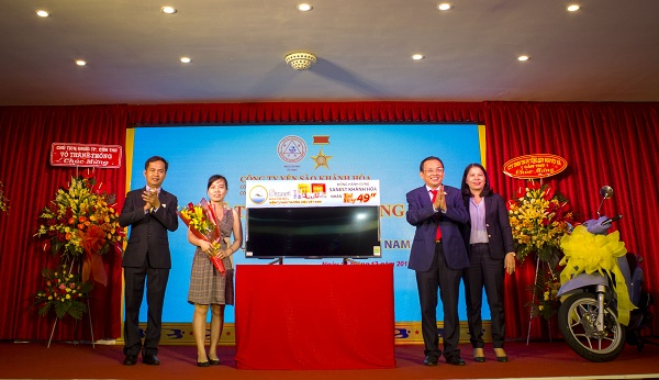 """Trao giải """"Sanest Khánh Hòa- niềm tự hào thương hiệu Việt Nam"""" tại Cần Thơ - Hình 2"""