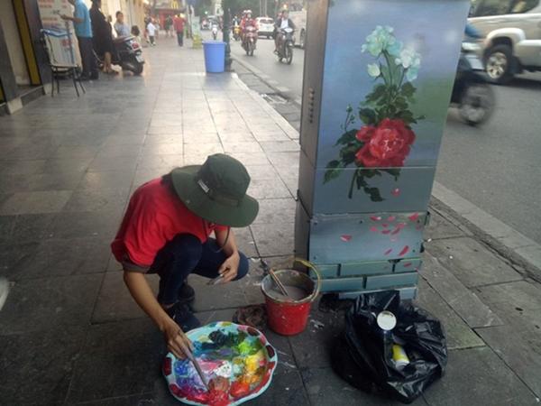 Tết đến 'khoác áo mới' cho 70 tủ điện ở Hà Nội - Hình 5