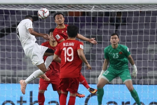 Fox Sports chọn Công Phượng là Cầu thủ xuất sắc nhất trận đầu tiên vòng 1/8 Asian Cup - Hình 2