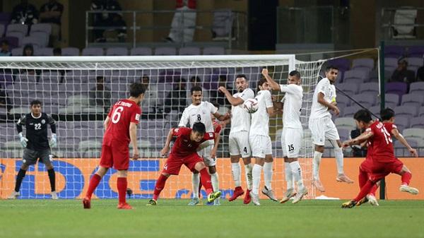 Bàn thắng của Quang Hải lọt top 10 pha làm bàn đẹp nhất Asian Cup - Hình 1