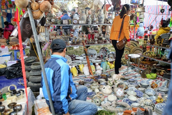Phiên chợ Viềng (Nam Định) chật kín người đến cầu may - Hình 8