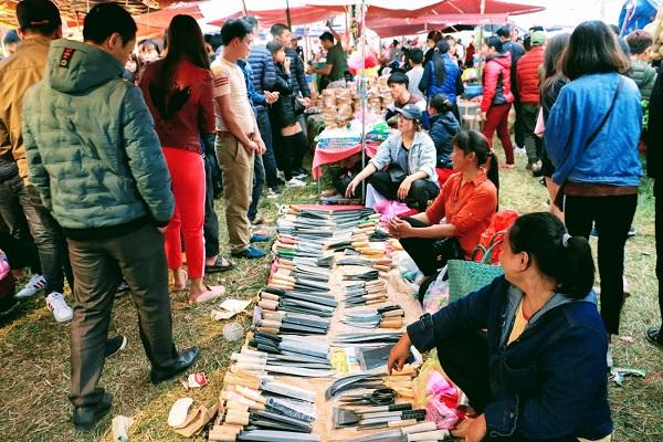 Phiên chợ Viềng (Nam Định) chật kín người đến cầu may - Hình 6