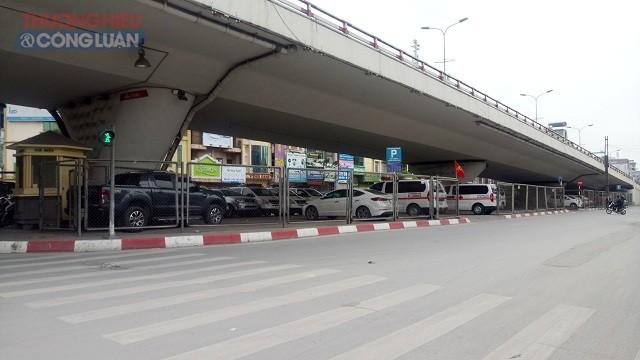 Lấn chiếm gầm cầu đường bộ, đường sắt: Thành phố Hà Nội có xử lý...
