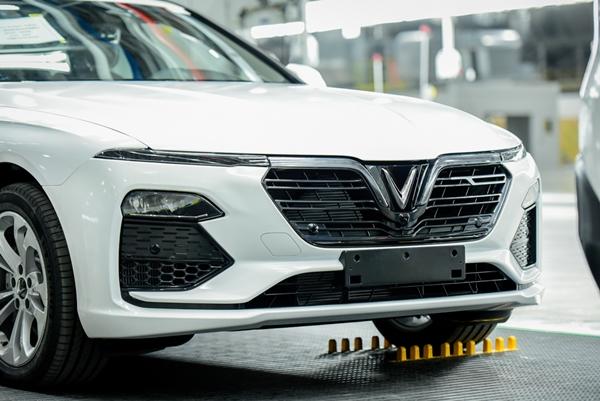 VinFast đưa 155 xe ô tô Lux đi nước ngoài kiểm thử - Hình 2