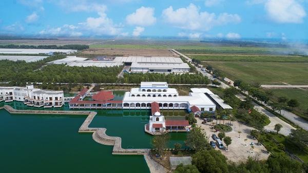 """'Resort"""" bò sữa Vinamilk Tây Ninh: Ngôi nhà lý tưởng của những cô bò hạnh phúc - Hình 4"""