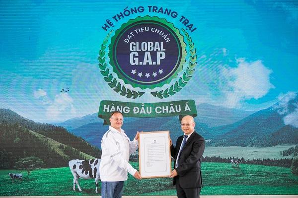 """'Resort"""" bò sữa Vinamilk Tây Ninh: Ngôi nhà lý tưởng của những cô bò hạnh phúc - Hình 2"""