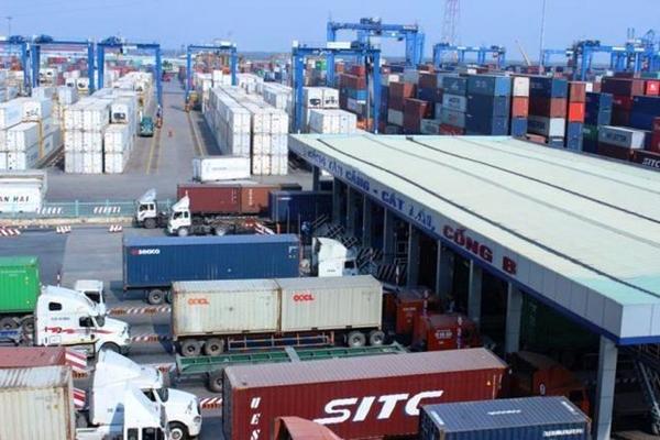 Cảng Cát Lái giảm phí lưu bãi để 'giải tỏa' hàng ngàn container phế liệu - Hình 1