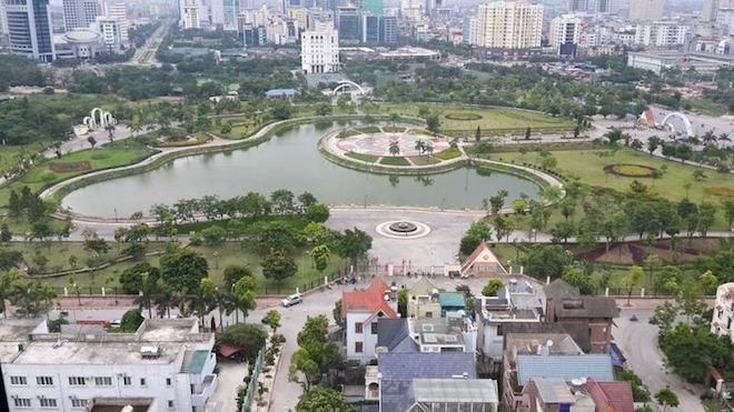 Vụ 'xén' đất công viên Cầu Giấy làm bãi đỗ xe: Phó Thủ tướng chỉ đạo kiểm tra - Hình 1
