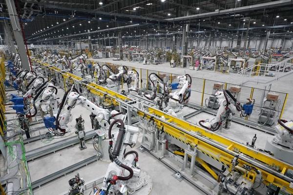 Nhà máy sản xuất ô tô VinFast chính thức đưa vào hoạt động trong tháng 6/2019 - Hình 1