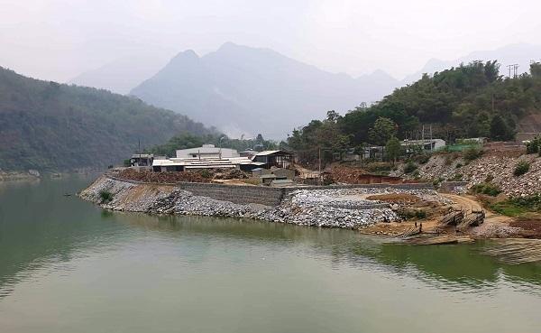 Thủ tướng chỉ đạo kiểm tra, xử lý việc doanh nghiệp đổ đá xuống sông Mã gia cố nhà xưởng - Hình 1