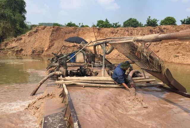 """Quảng Bình """"tuyên chiến"""" với nạn khai thác cát, sỏi trái phép - Hình 1"""