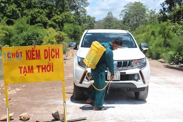 Gia Lai: Xuất hơn 3.300 lít Bencocid phòng, chống dịch tả heo Châu Phi - Hình 1