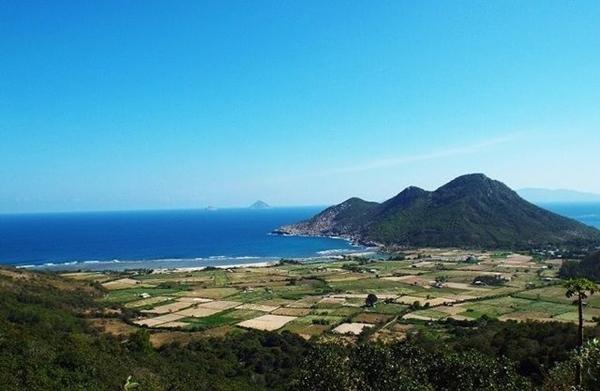 Khánh Hoà: Chính thức dỡ bỏ lệnh cấm giao dịch đất tại Bắc Vân Phong - Hình 1
