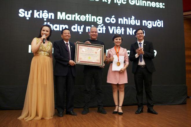 Xác lập kỷ lục sự kiện marketing nhiều người tham dự nhất tại Việt Nam - Hình 2