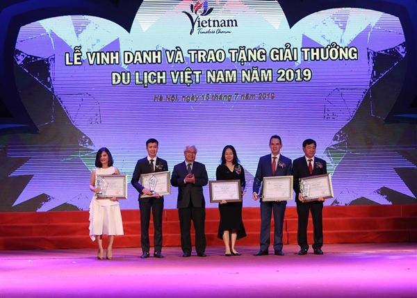 Sun Group bội thu giải thưởng tại Lễ trao Giải thưởng Du lịch Việt Nam 2019 - Hình 1