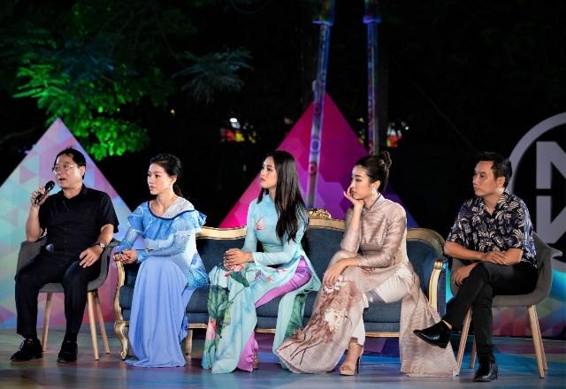 Hoa hậu Trần Tiểu Vy bật khóc trước dự án nhân ái của Miss World Việt Nam 2019 - Hình 2